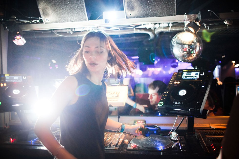 Nina Kraviz / Streaming