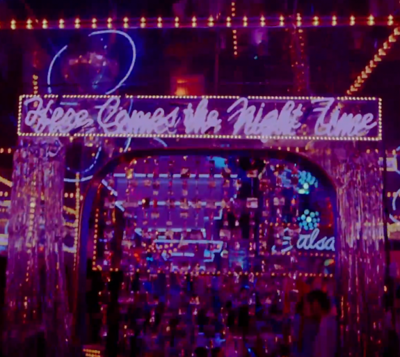 Arcade Fire – Here comes the night time