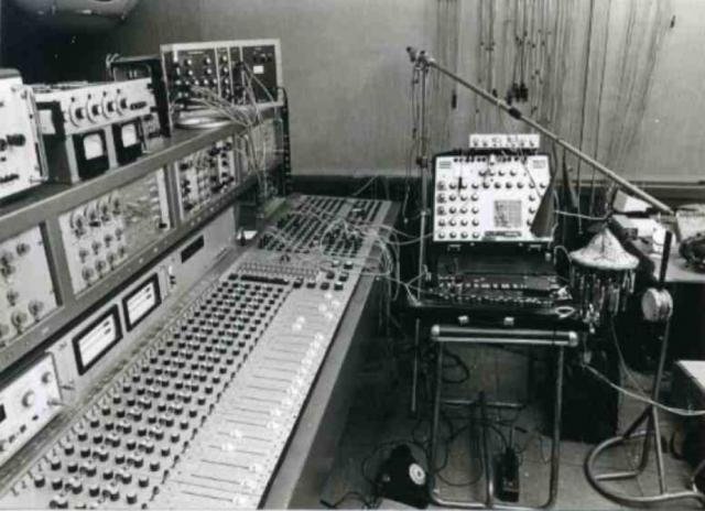 Interaction entre évolution technologique et création musicale